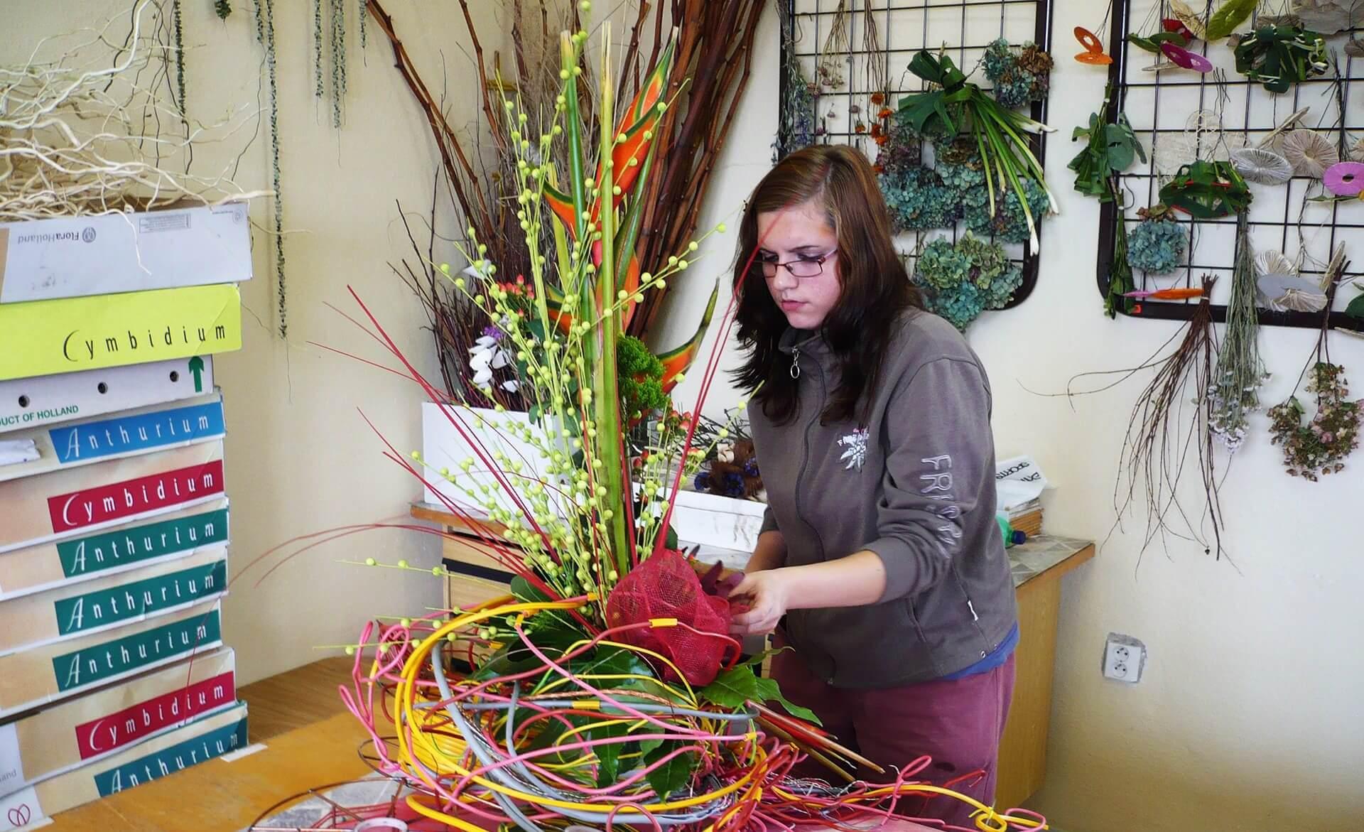 Zahradnické práce (Pěstování a aranžování květin)
